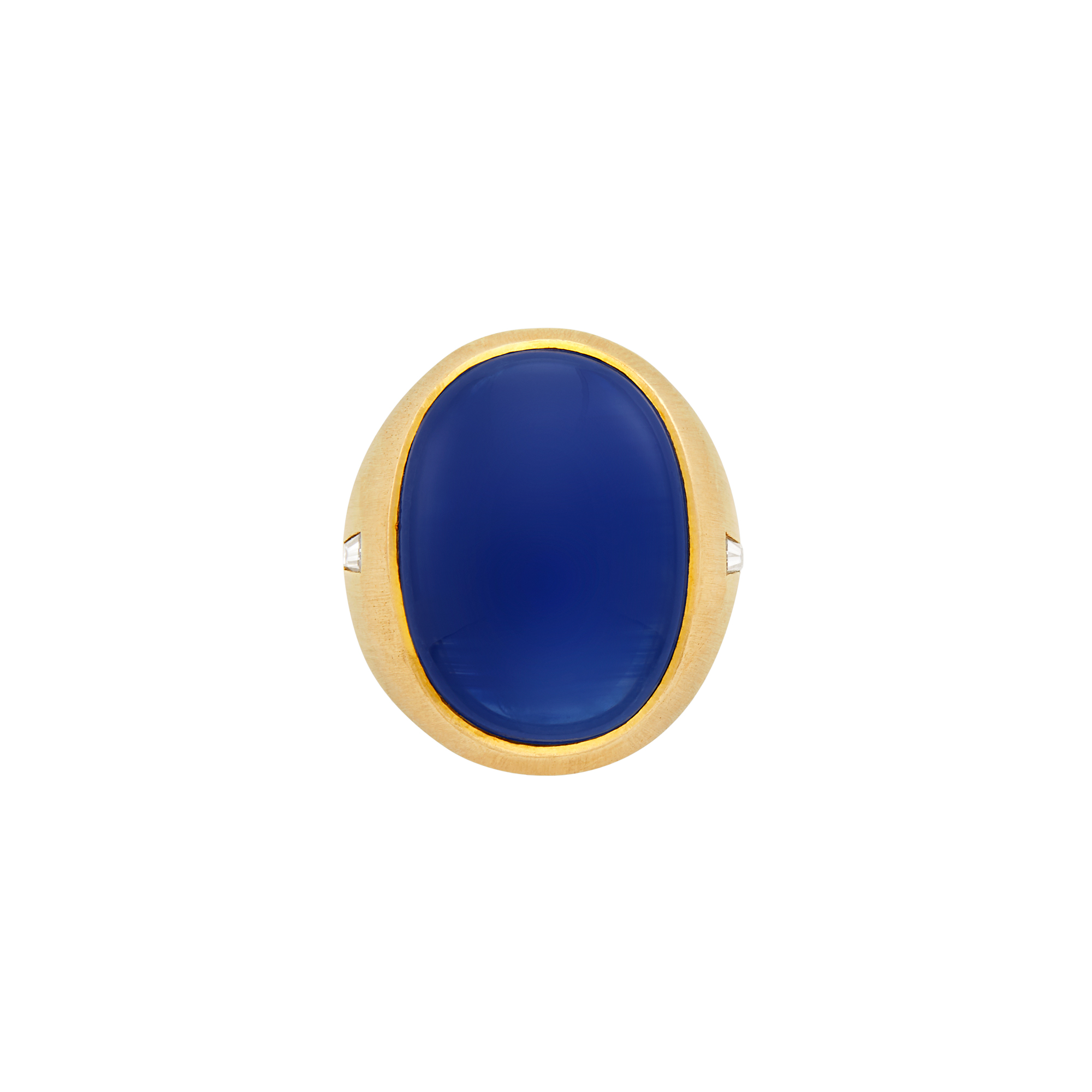 Lot image - Gentlemans Gold and Cabochon Sapphire Ring