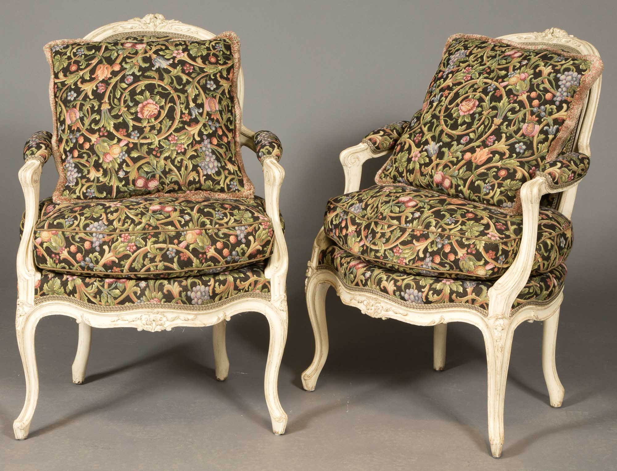 Lot image - Pair of Louis XV Style Painted Fauteuils en Cabriolet