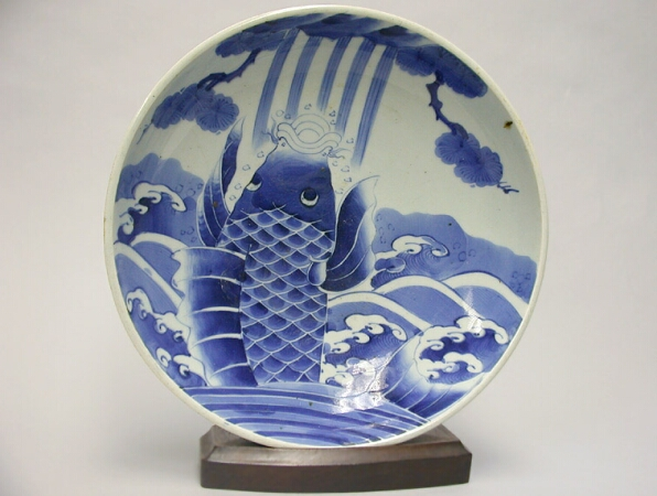 Lot image - JAPANESE BLUE AND WHITE ARITA PORCELAIN DEEP DISH  19th Century  Diameter 12 1/2 inches (31.8 cm)
