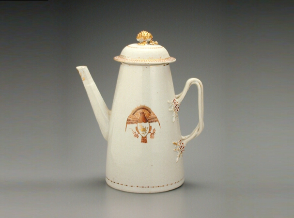 Lot image - CHINESE EXPORT PORCELAIN LIGHTHOUSE-FORM COFFEE POT FOR THE AMERICAN MARKET  Possibly circa 1800  Height 9 1/4 inches (32.5 cm)