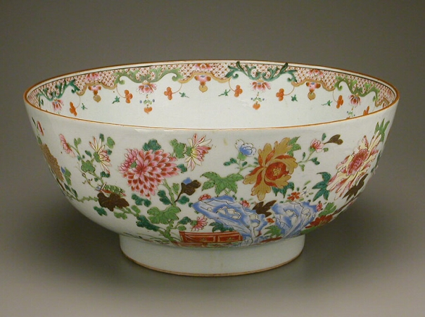 Lot image - CHINESE EXPORT FAMILLE ROSE PORCELAIN BOWL  Qianlong Period, third quarter of the 18th century  Diameter 15 3/4 inches (40 cm)