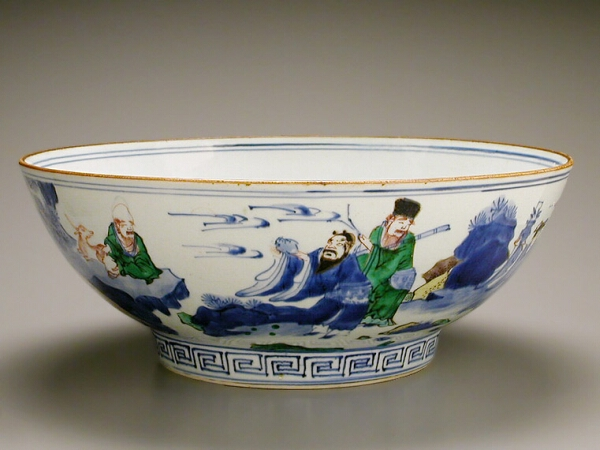 Lot image - CHINESE EXPORT BLUE AND WHITE AND ENAMELED PORCELAIN BOWL  Wanli Period, early 17th century  Diameter 14 1/4 inches (36.2 cm)