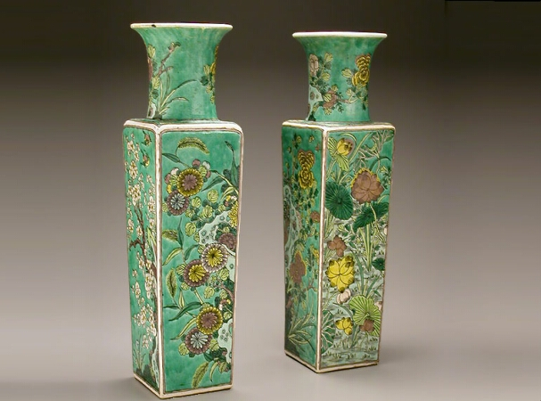 Lot image - PAIR OF CHINESE PORCELAIN FAMILLE VERTE VASES  19th Century  Height 19 3/4 inches (50.1 cm)