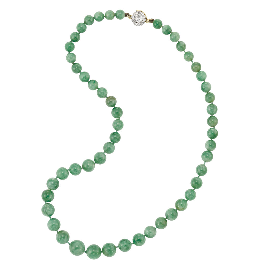 Lot image - Jade Bead Necklace with Gold and Diamond Clasp