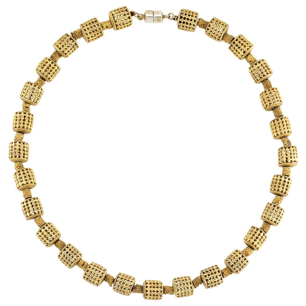 Lot image - Gold Necklace with White Metal Magnetic Clasp