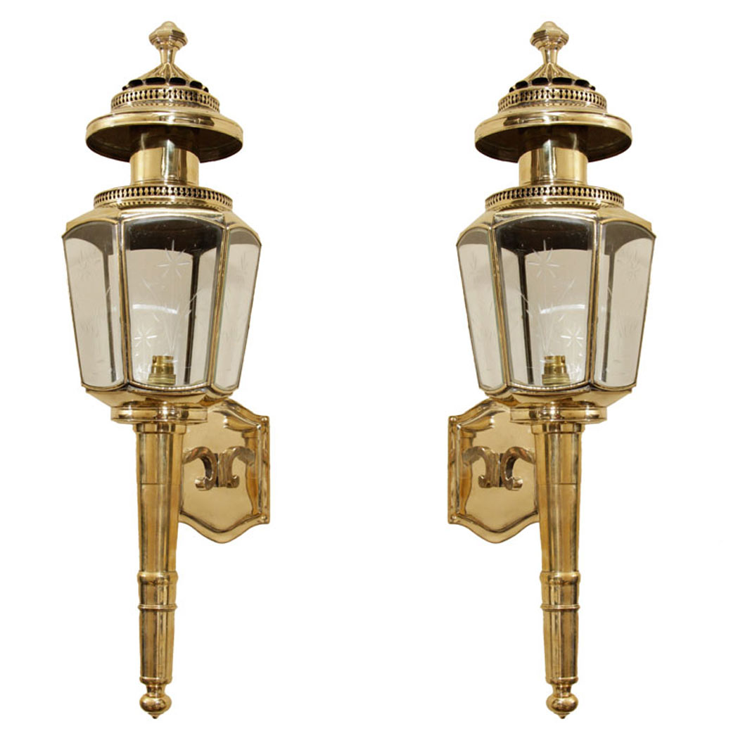 Lot image - Pair of English Brass and Etched Glass Coach Lanterns