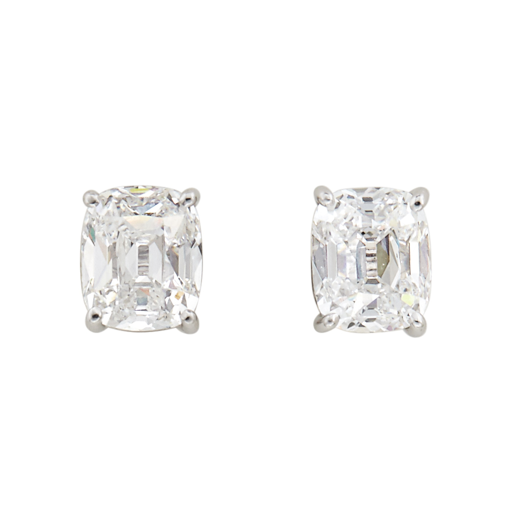 Lot image - Pair of White Gold and Diamond Stud Earrings