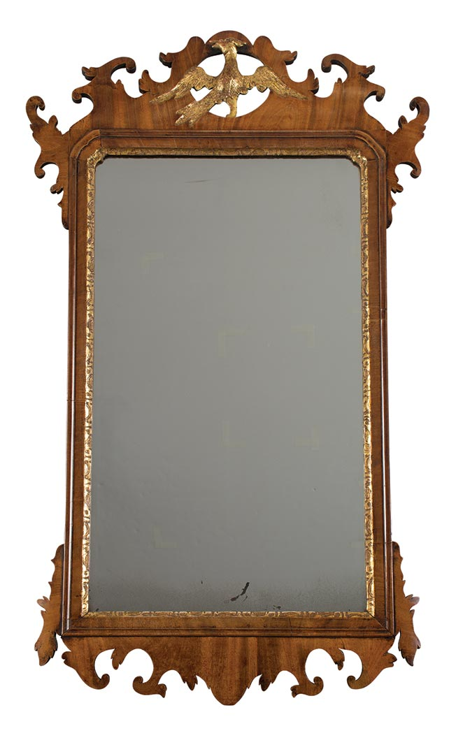Lot image - Chippendale Mahogany Parcel Gilt Mirror
