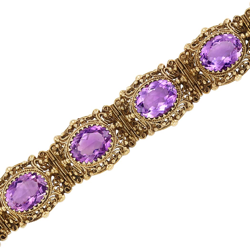 Lot image - Gold and Amethyst Link Bracelet