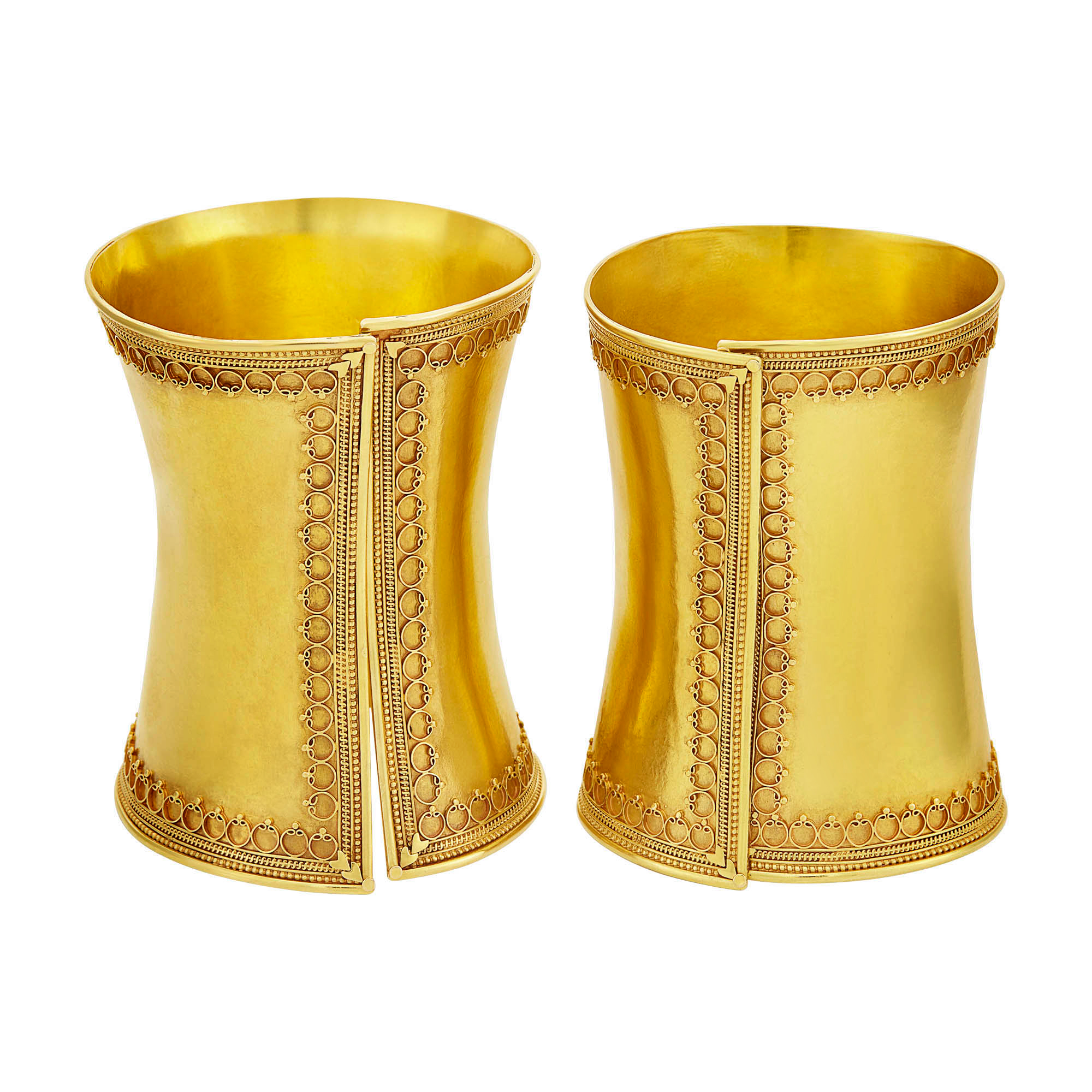 Lot image - Pair of Gold Cuff Bangle Bracelets