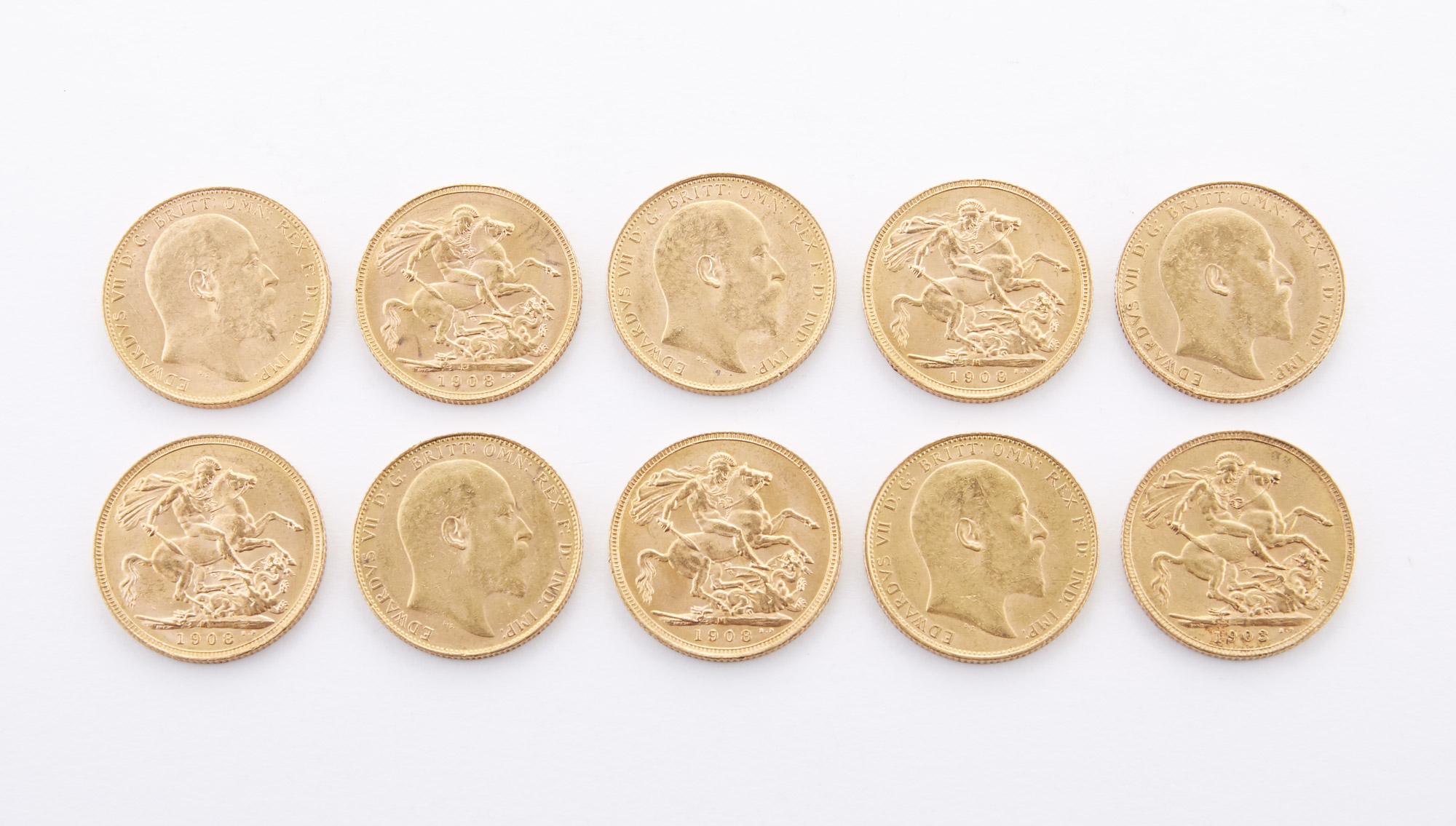 Lot image - Great Britain Gold Sovereigns