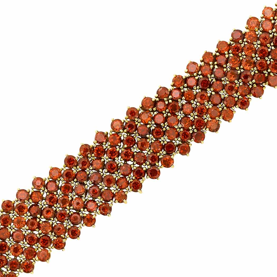 Lot image - Gold and Garnet Bracelet
