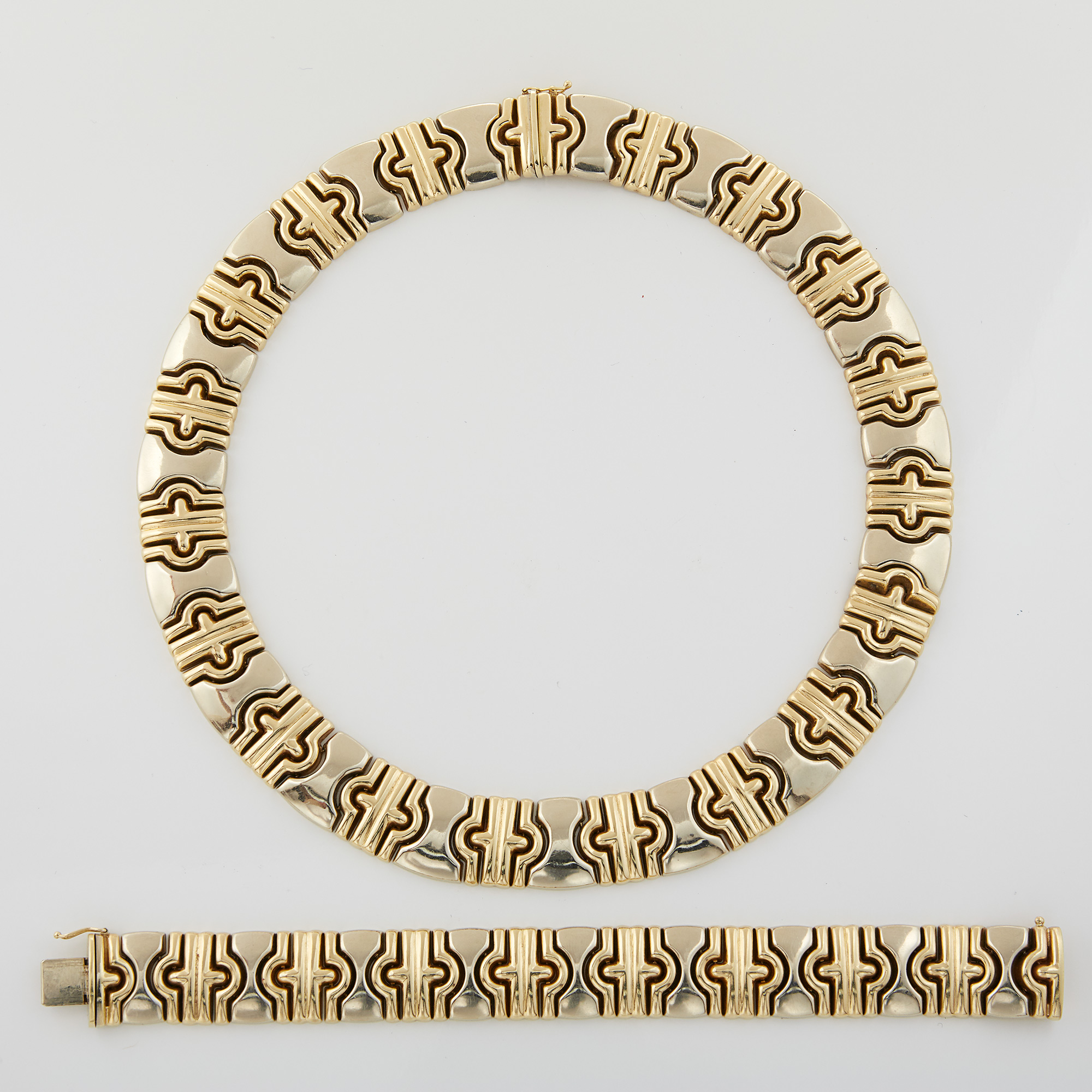Lot image - Gold Necklace and Bracelet
