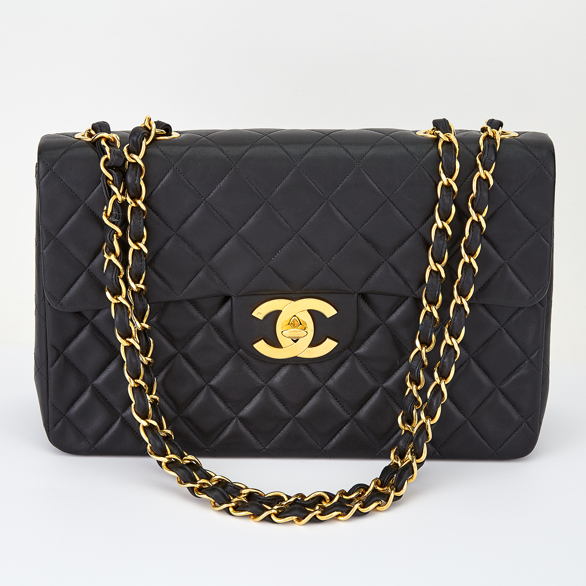 Lot image - Chanel Maxi Classic Flap Bag