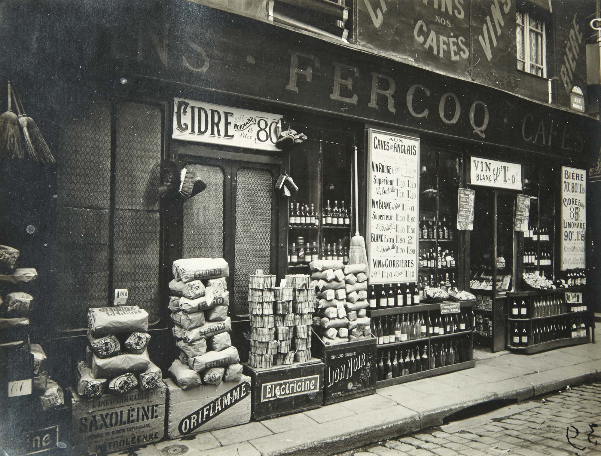 Lot image - EUGENE ATGET AND BERENICE ABBOTT  Marché des Carmes, Place Maubert, Paris