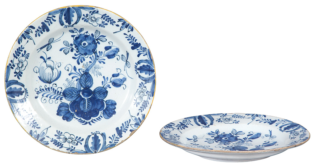 Lot image - Pair of Dutch Delft Blue and White Chargers