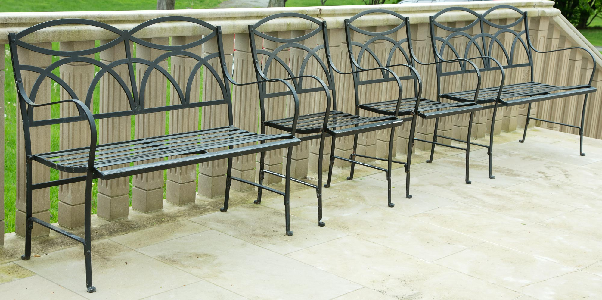 Lot image - Set of Regency Style Painted Metal Garden Furniture