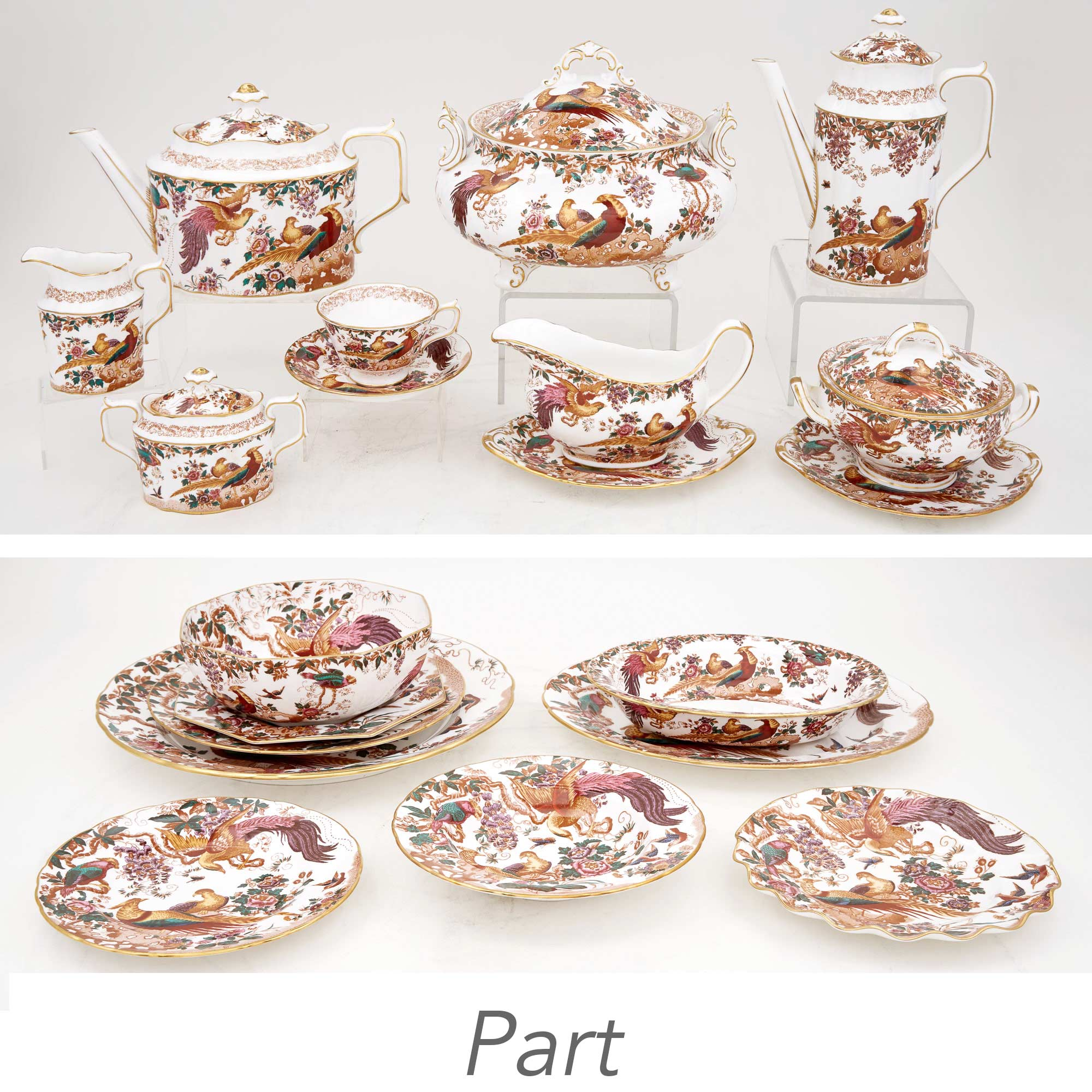 Lot image - Royal Crown Derby Olde Avesbury