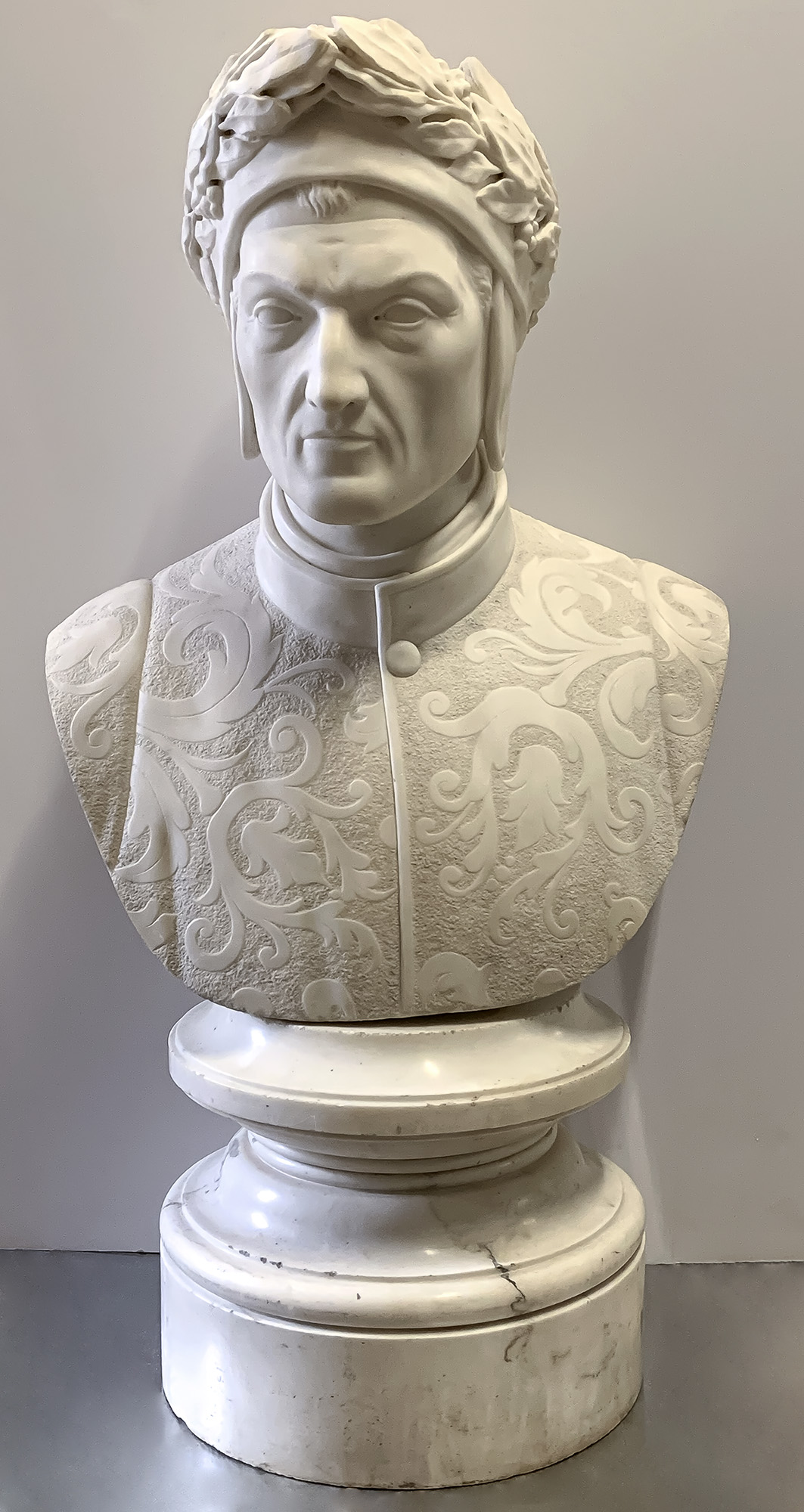 Lot image - Carved White Marble Bust of Dante