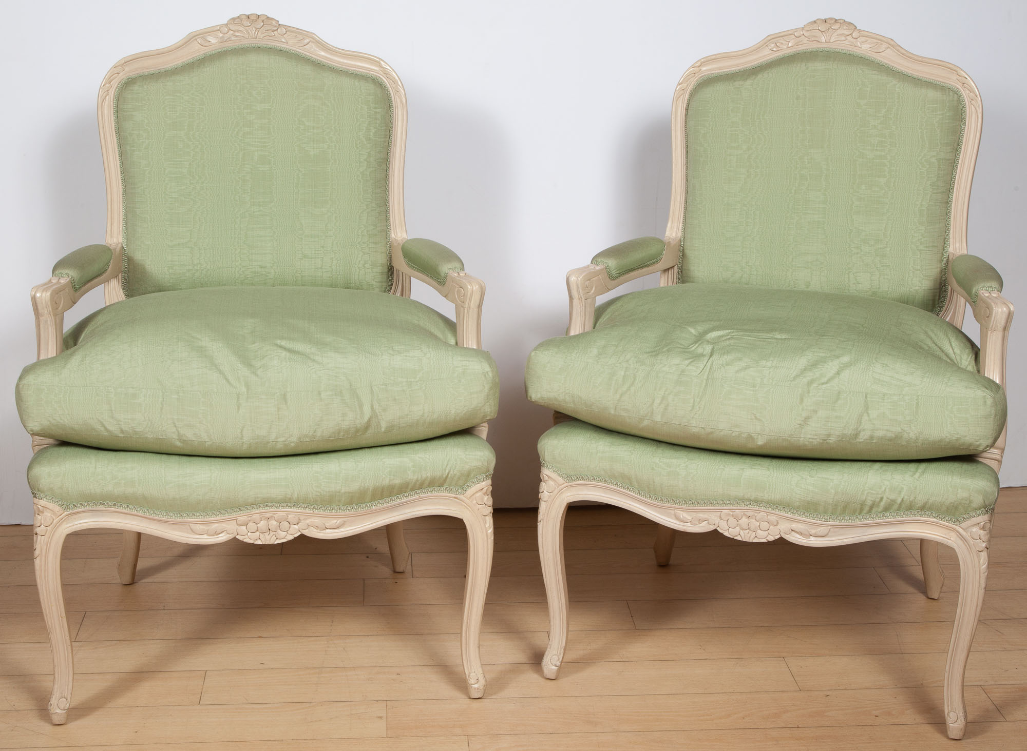 Lot image - Pair of Louis XV Style White Painted Fauteuil