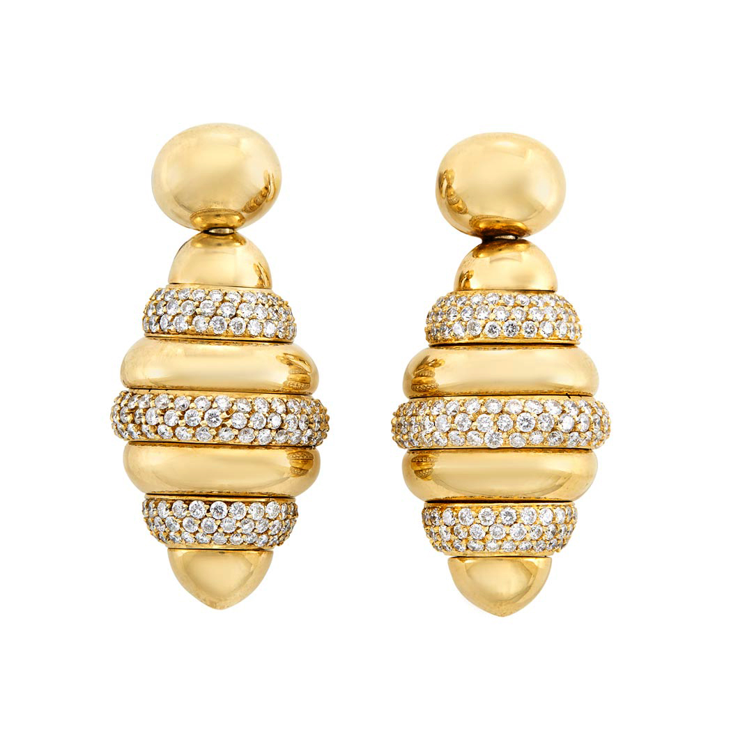 Lot image - Pair of Gold and Diamond 'Beehive' Pendant-Earclips, De Grisogono
