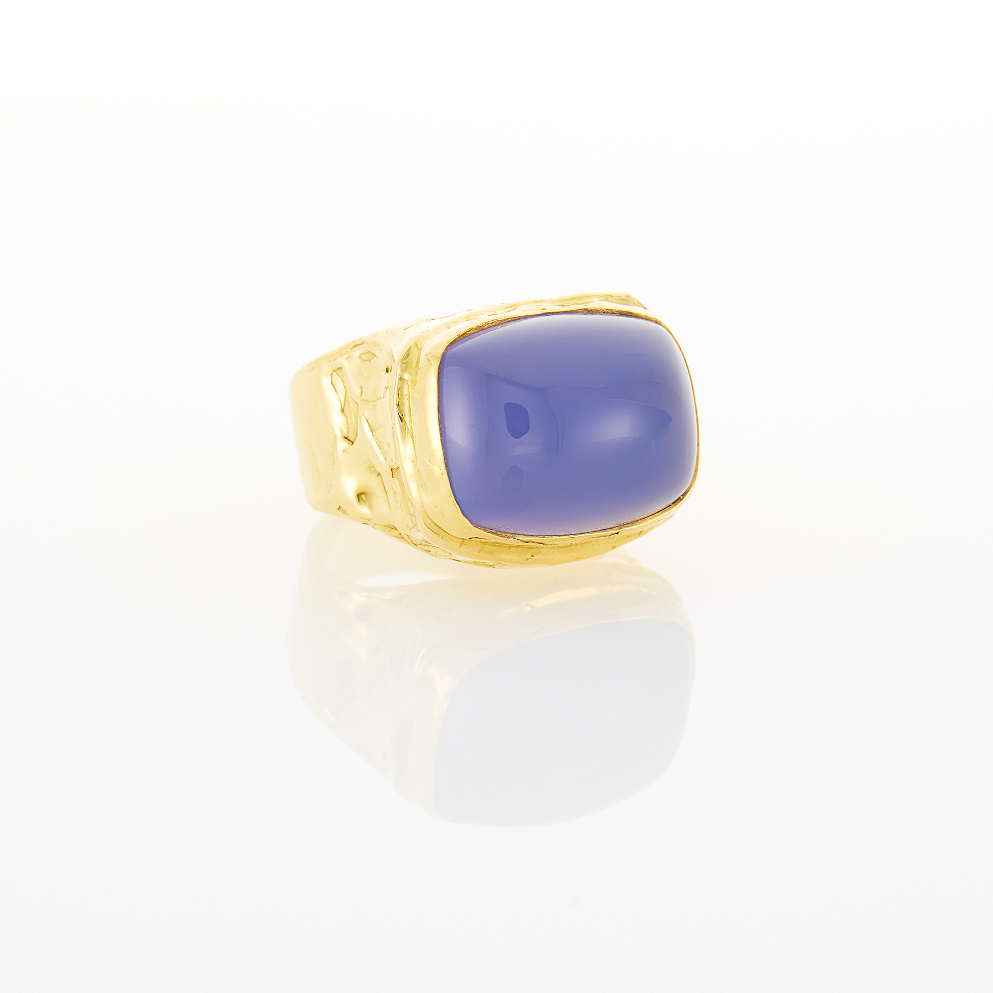 Lot image - Gold and Blue Chalcedony Ring
