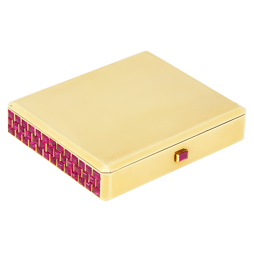 Lot image - Gold and Ruby Compact
