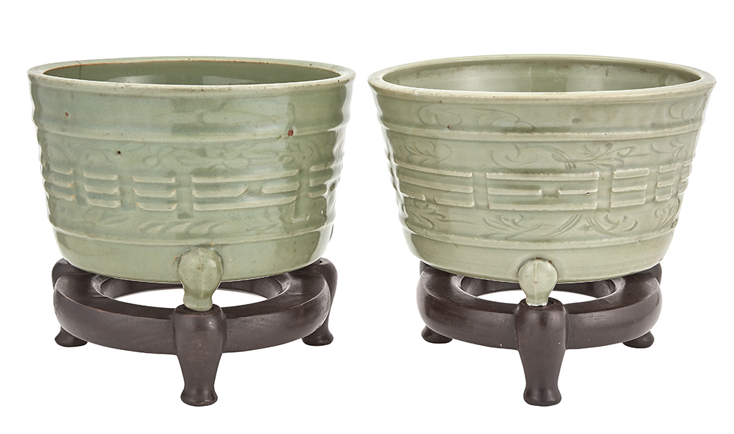 Lot image - Pair of Chinese Longquan Celadon Trigrams Tripod Cachepots