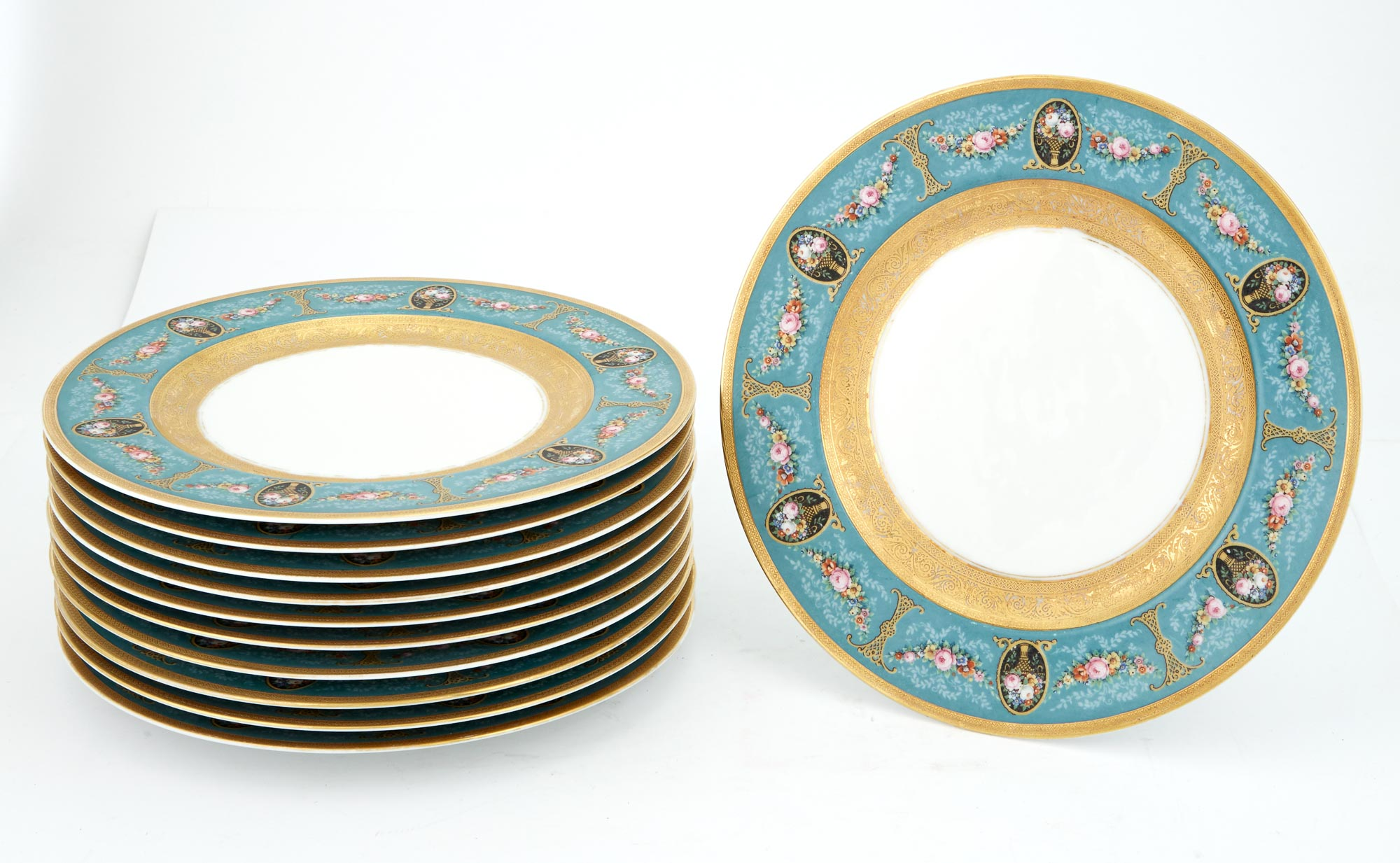 Lot image - Set of Eleven Bavarian Porcelain Dinner Plates
