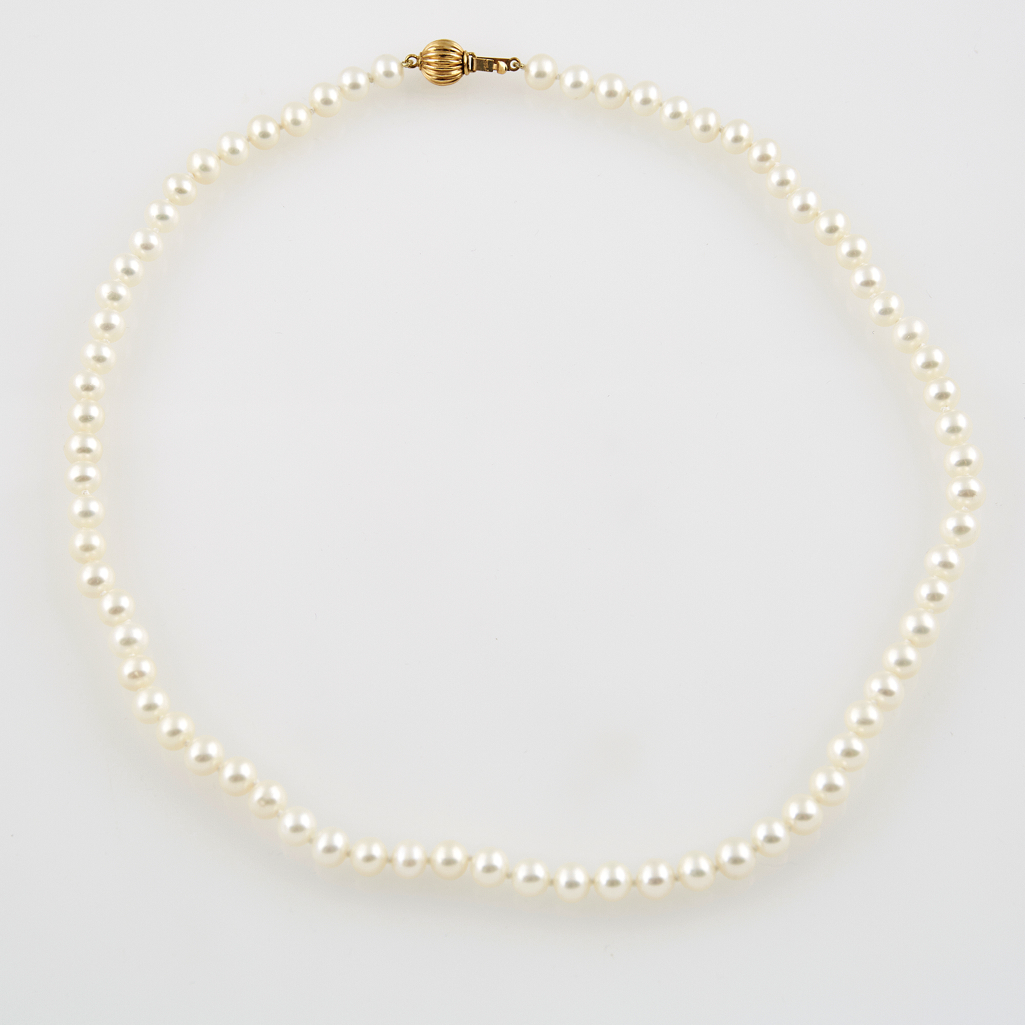 Lot image - Bead Necklace with gold clasp attached, 14K