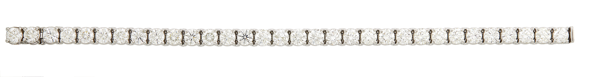 Lot image - Diamond Tennis Bracelet, 32 diamonds about 15.00 cts., Platinum 22 dwt.