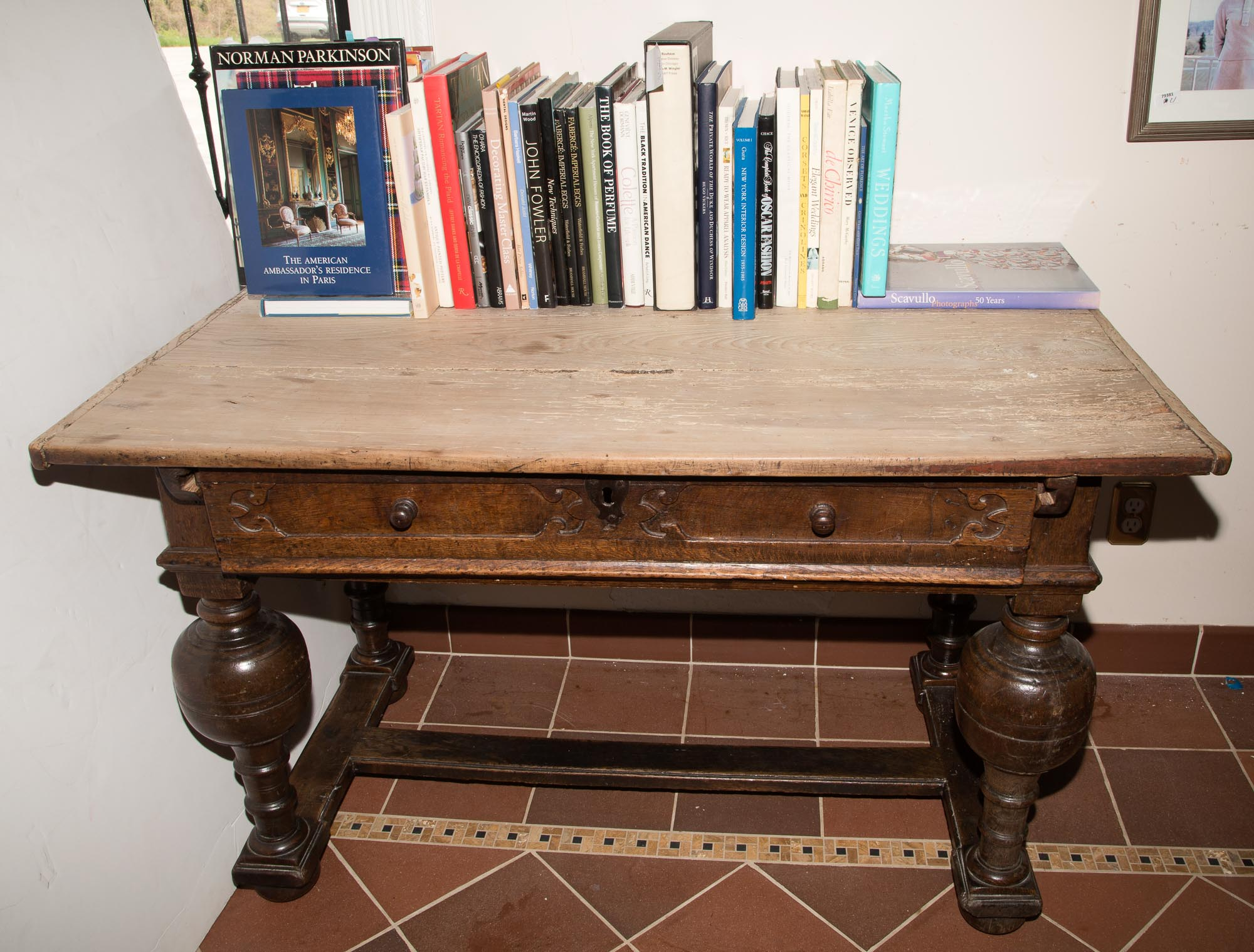 Lot image - English Joined Oak Table