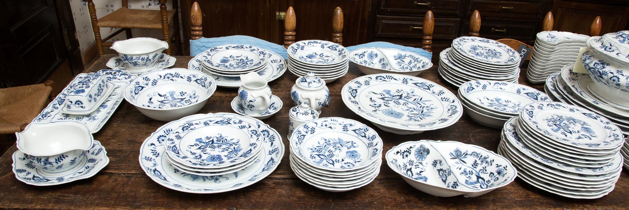 Lot image - Blue Danube Porcelain Dinner Service