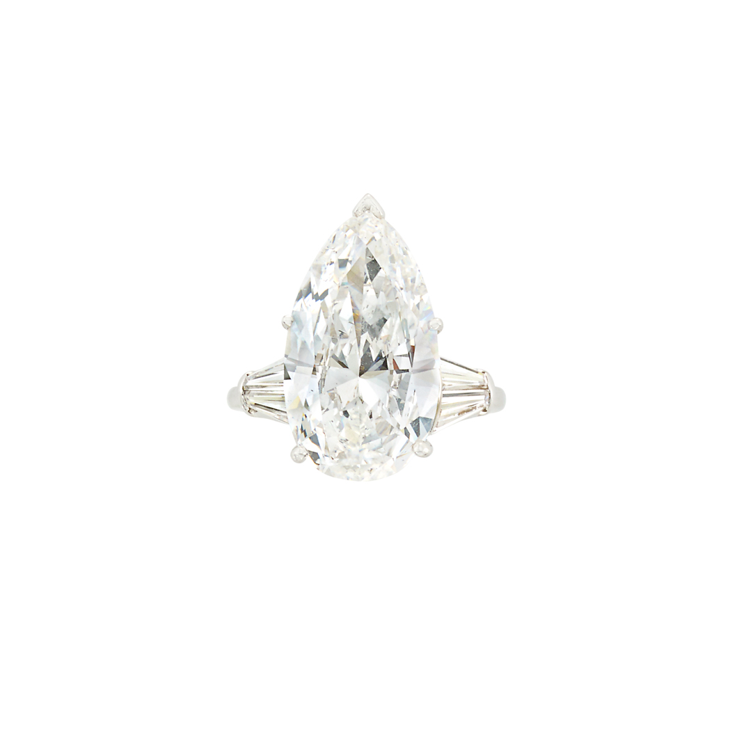 Lot image - Platinum and Diamond Ring