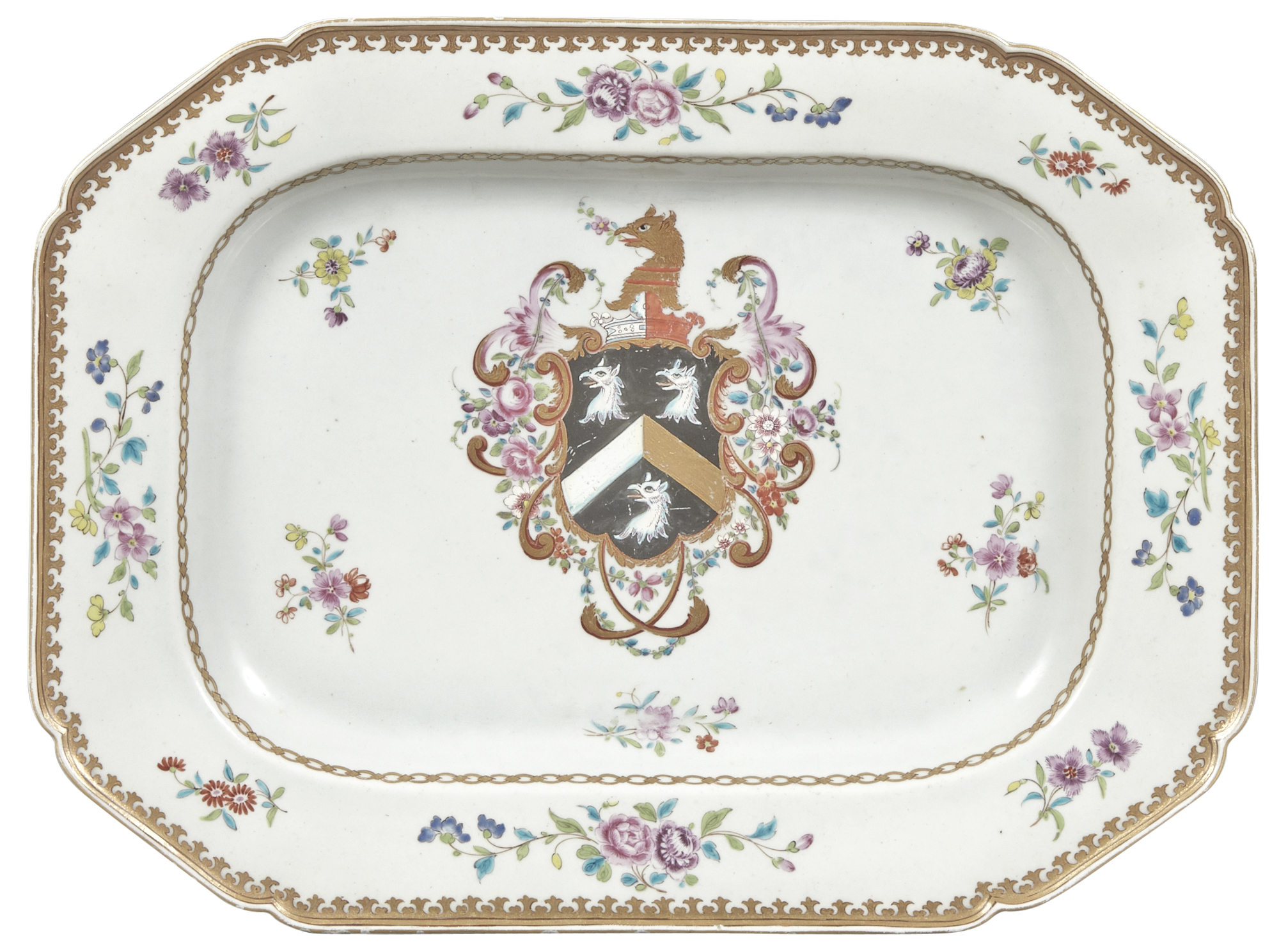 Lot image - Chinese Export Armorial Porcelain Platter