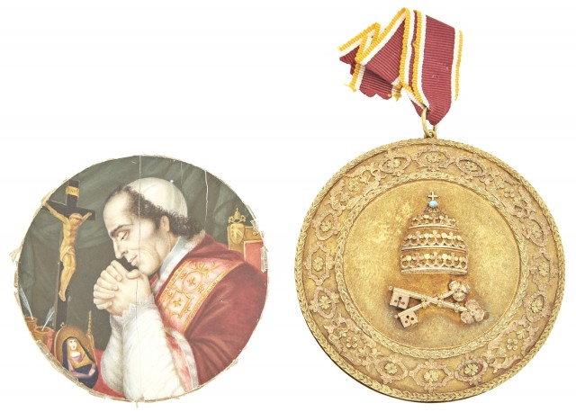 Italian Papal Medallion and Miniature Portrait of Pope Pius VII