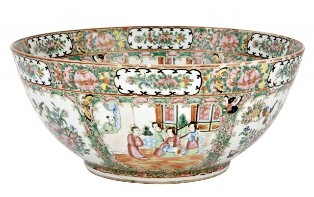 Large Chinese Rose Medallion Porcelain Bowl