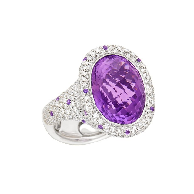 White Gold, Amethyst and Diamond Ring