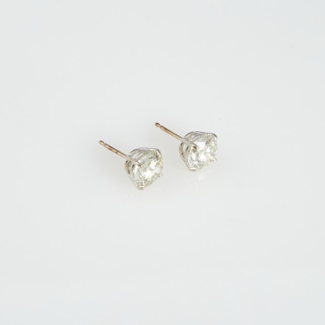 Two Diamond Earrings about 2.95 cts., 14K 1 dwt.