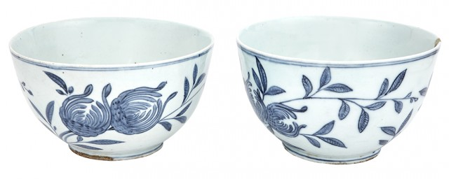 Pair of Chinese Blue and White Glazed Porcelain Bowls