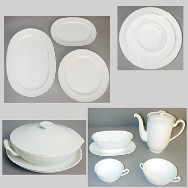Royal Copenhagen Porcelain Dinner Service for Sale at