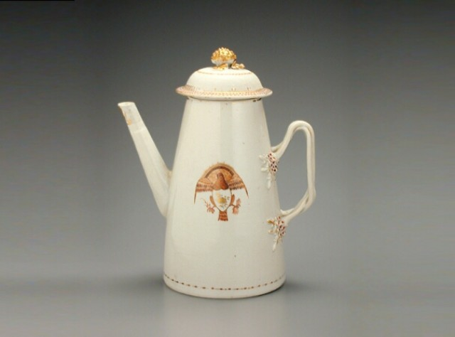CHINESE EXPORT PORCELAIN LIGHTHOUSE-FORM COFFEE POT FOR THE AMERICAN MARKET  Possibly circa 1800  Height 9 1/4 inches (32.5 cm)