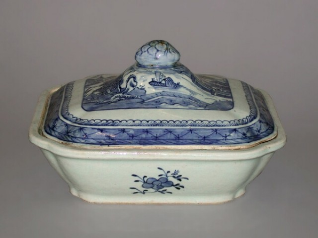 Miscellaneous Group of Asian Porcelain Articles