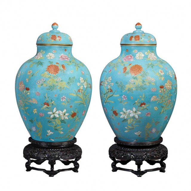 Pair Of Chinese Famille Rose Porcelain Vases Achieves 12 Million