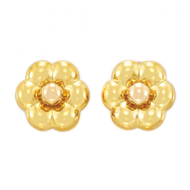 Pair of Gold Flower Earclips