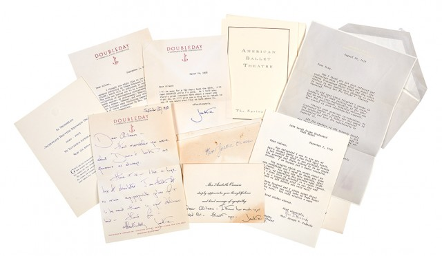 KENNEDY ONASSIS, JACQUELINE  Group of notes to Aileen Mehle and other signed items.