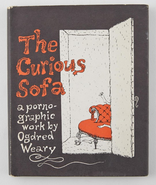 GOREY, EDWARD  WRYDE, DOGEAR (=Edward Gorey). The Curious Sofa.