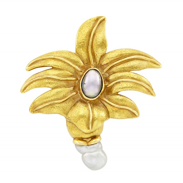 Hammered Gold, Gray Mabé Pearl and Baroque Cultured Pearl Flower Brooch, Elizabeth Gage