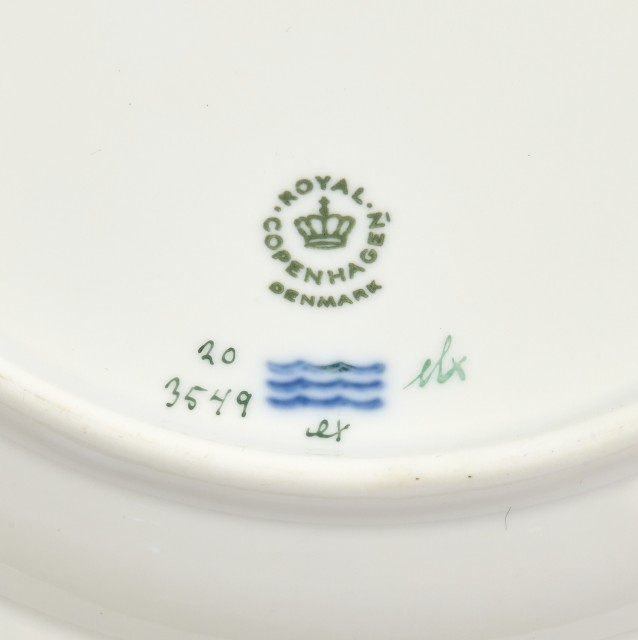 Set of Thirteen Royal Copenhagen Flora Danica Porcelain Dinner Plates