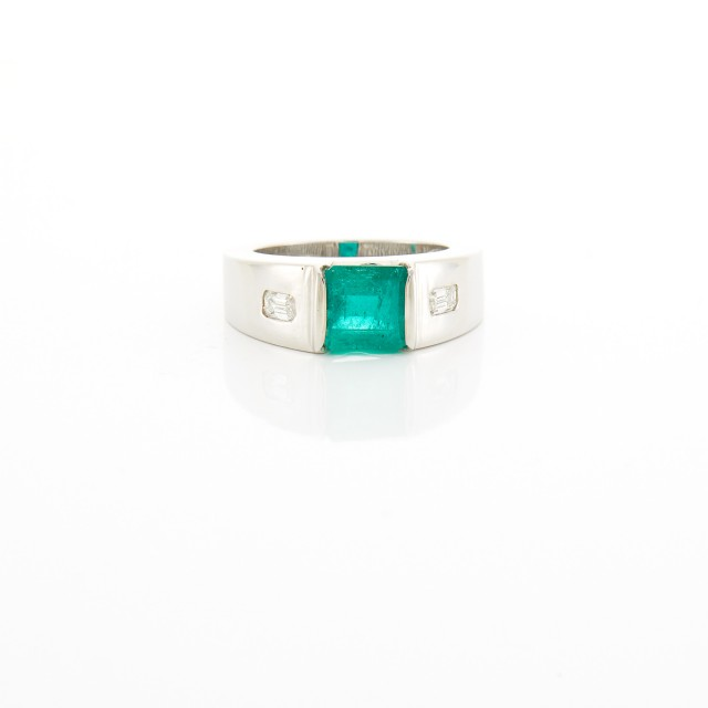 White Gold, Emerald and Diamond Gypsy Ring